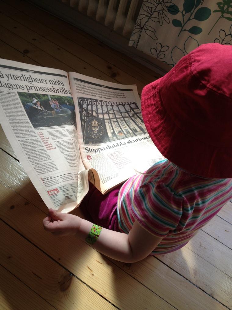 Pappas tjej läser Dagens Industri.....